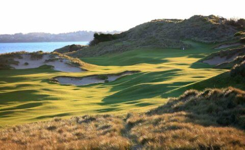 A Tasmanian golf experience by private jet charter